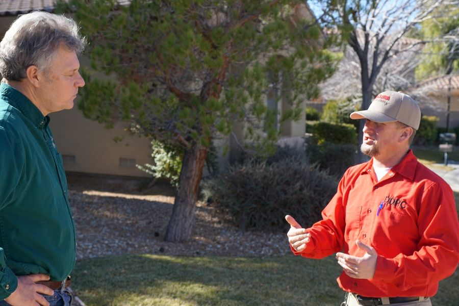 A las vegas pest control expert giving home owner rodent tips
